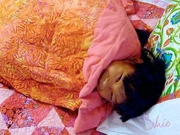 Fácil Tutorial Manta ponderado DIY   http://artesaniasdebricolaje.ru/11-weighted-blanket-diy/
