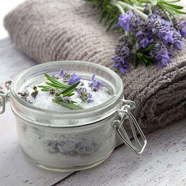 DIY Receta Detox Bath para los músculos doloridos | http://artesaniasdebricolaje.ru/12-diy-detox-baths/