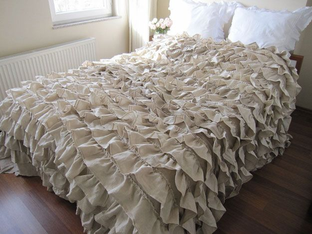 Hermosa rizada elegante lamentable de cama Inspitation | http://artesaniasdebricolaje.ru/12-diy-shabby-chic-bedding-ideas/