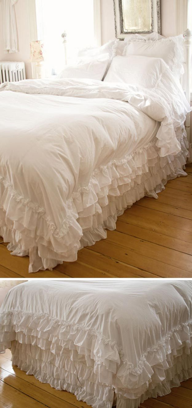 Romántica de cama blanca Shabby Chic | http://artesaniasdebricolaje.ru/12-diy-shabby-chic-bedding-ideas/