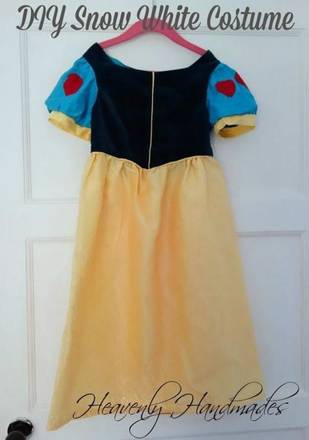 Echa un vistazo a 12 de bricolaje Blancanieves ideas para disfraces para Halloween en http://artesaniasdebricolaje.ru/12-diy-snow-white-costume-ideas-for-halloween/