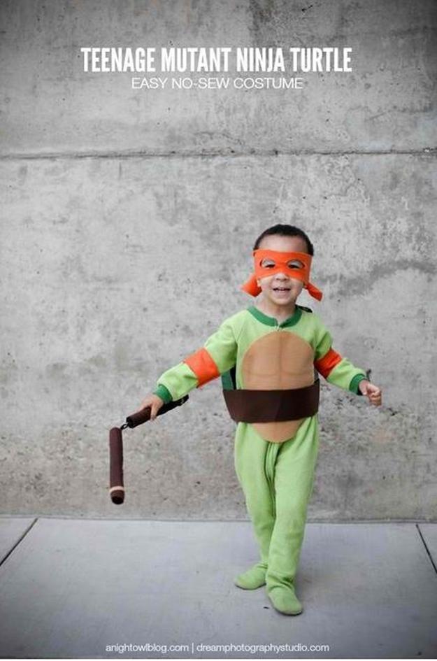 fácil sin costuras niños DIY Tortuga Ninja idea del traje, ver más en http://artesaniasdebricolaje.ru/diy-ninja-turtle-costume-ideas