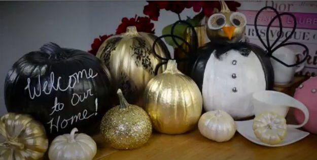 Echa un vistazo a 15 maneras de bricolaje para decorar su hogar con las calabazas este otoño en http://artesaniasdebricolaje.ru/15-diy-ways-to-decorate-your-home-with-pumpkins-this-fall/