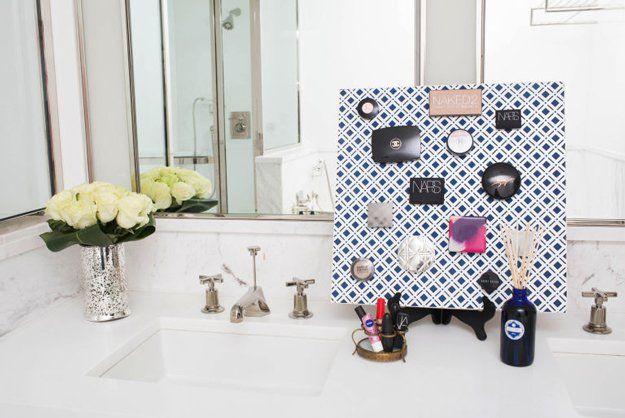 Cuarto de baño barato Organización Decoración y Sugerencias | http://artesaniasdebricolaje.ru/organization-hacks-bathroom-storage-ideas/