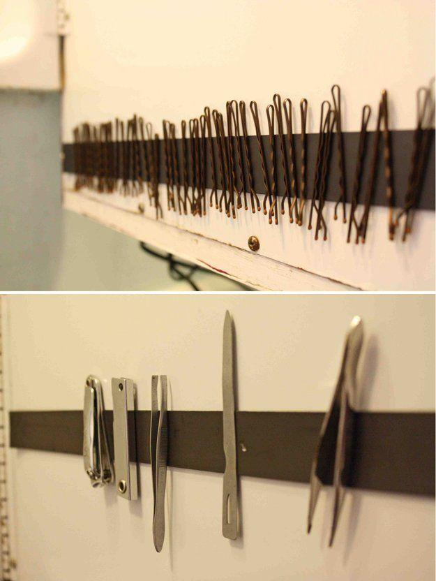 Fácil Baño Organización Hack | http://artesaniasdebricolaje.ru/organization-hacks-bathroom-storage-ideas/