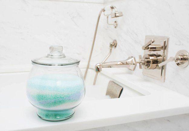 Lindo baño Ideas Organización | http://artesaniasdebricolaje.ru/organization-hacks-bathroom-storage-ideas/