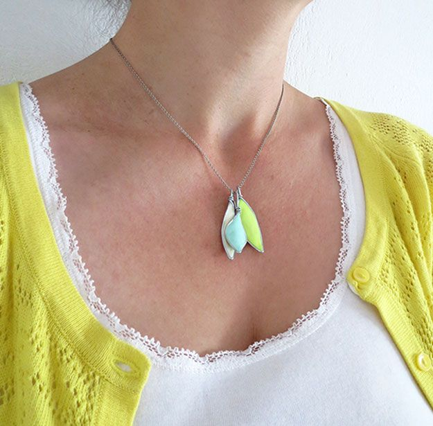 DIY fácil pentant Collar | http://artesaniasdebricolaje.ru/diy-necklaces-diy-jewelry/