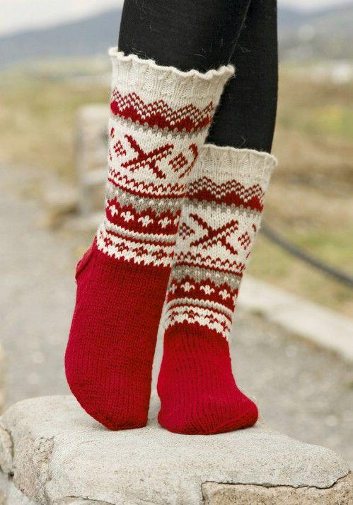 16 adorables calcetines de punto de Navidad y Guantes Con Patrones Gratis