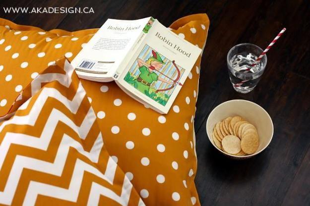 No Sew DIY Puf   17 Ideas Puf bricolaje, ver más en http://artesaniasdebricolaje.ru/17-diy-pouf-ideas