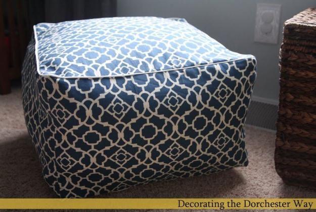 Plaza DIY Puf   17 Ideas Puf bricolaje, ver más en http://artesaniasdebricolaje.ru/17-diy-pouf-ideas