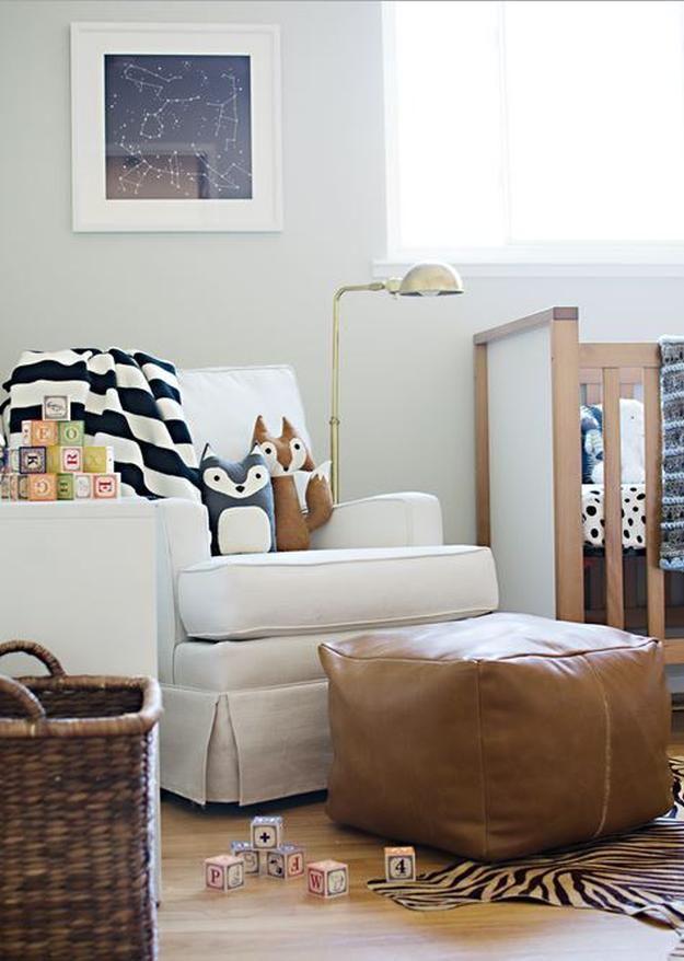 Puf de cuero DIY   17 Ideas Puf bricolaje, ver más en http://artesaniasdebricolaje.ru/17-diy-pouf-ideas