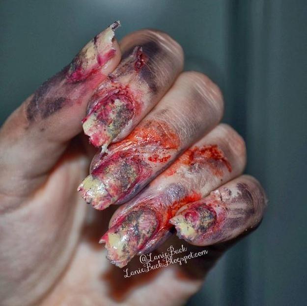 detrás de las graves uñas - traje de zombie bricolaje, ver más a http://artesaniasdebricolaje.ru/18-diy-zombie-costume-ideas