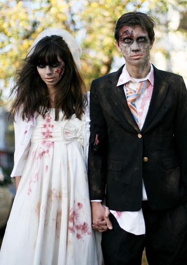 pareja casada traje zombi bricolaje, ver más a http://artesaniasdebricolaje.ru/18-diy-zombie-costume-ideas