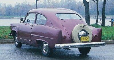 1952 Henry J Vagabond cupé fastback, una versión ligeramente mejorada de un'51 Henry J model