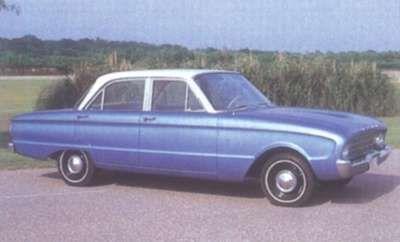 1960 Ford Falcon sedán de cuatro puertas