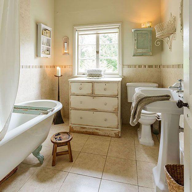 Elegante elegante lamentable de baño Ideas de Decoración | http://artesaniasdebricolaje.ru/diy-shabby-chic-decor/