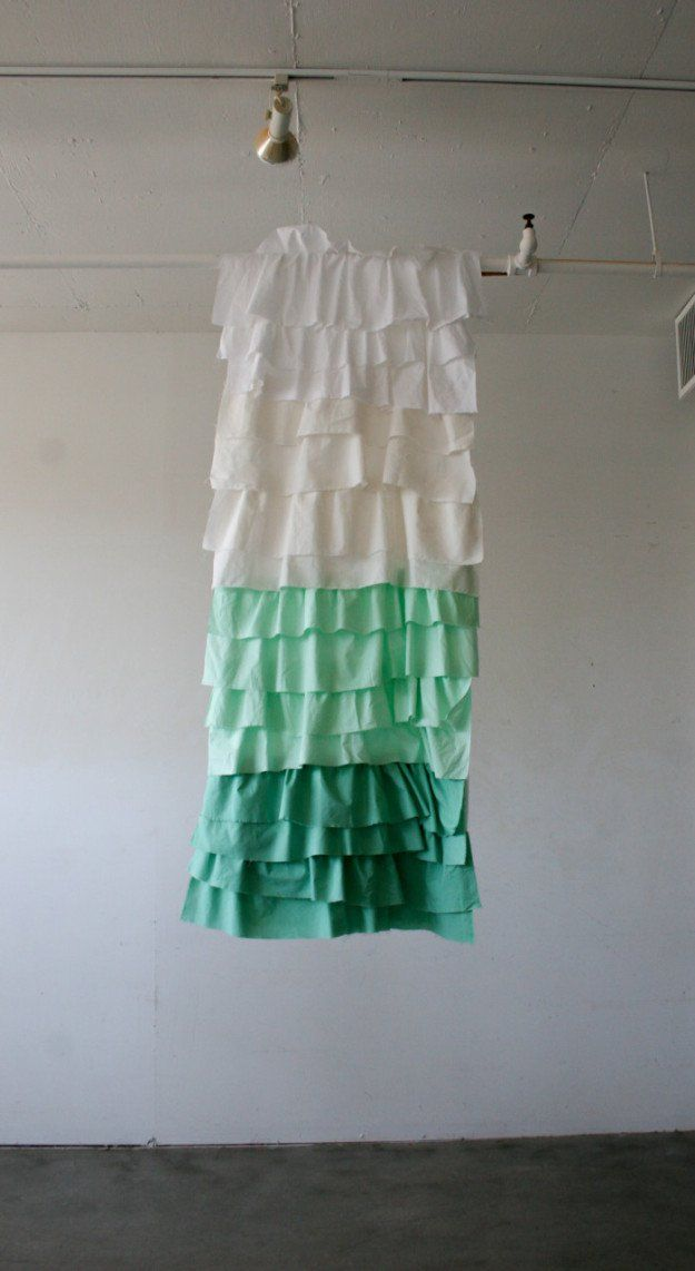 DIY Ducha Anthropologie Cortina Hack | http://artesaniasdebricolaje.ru/diy-decor-anthropologie-hacks/