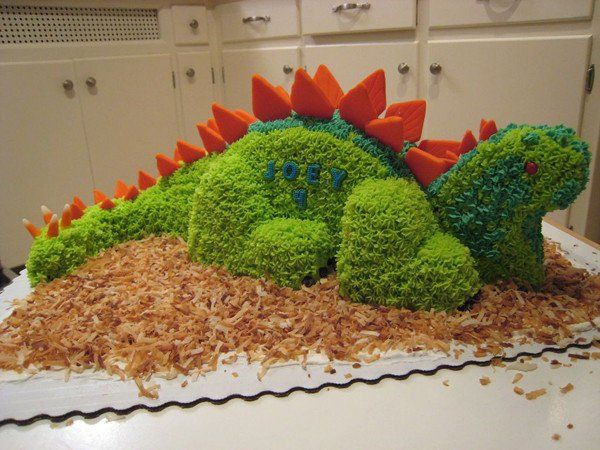 Torta dino Lovely, échale un vistazo a http://artesaniasdebricolaje.ru/24-more-pinterest-fails-to-feed-your-diy-ego