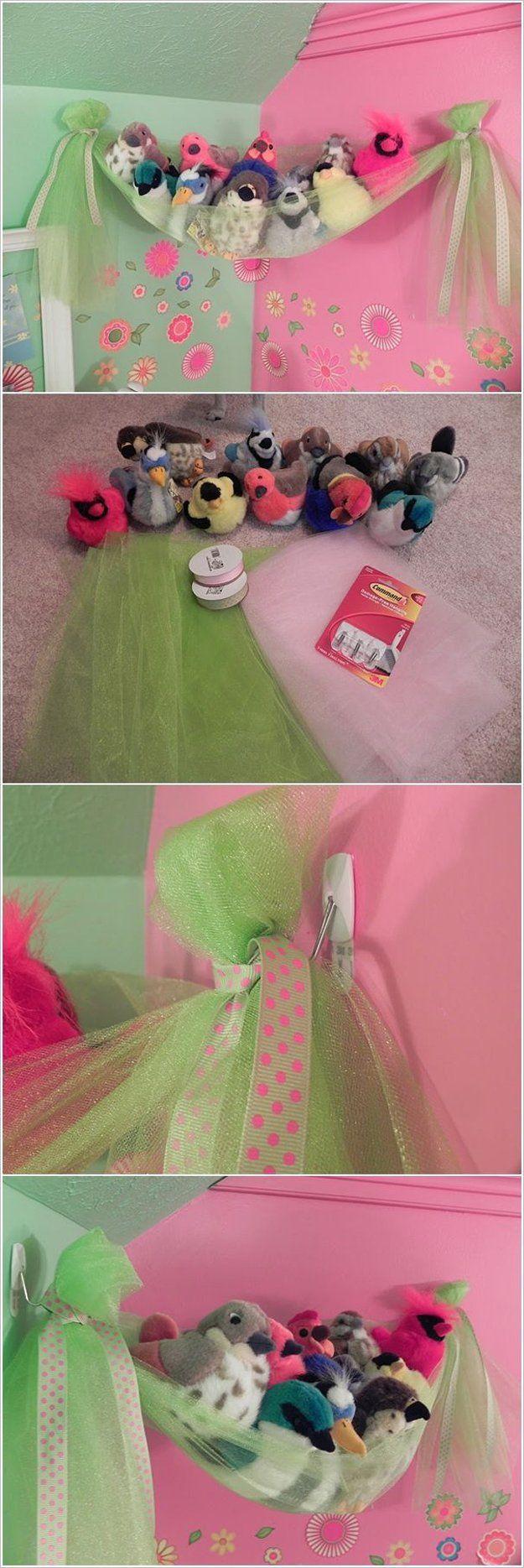 Idea barata y fácil de bricolaje juguete almacenamiento a muchachas | artesaniasdebricolaje.ru/storage-solutions-life-hack/