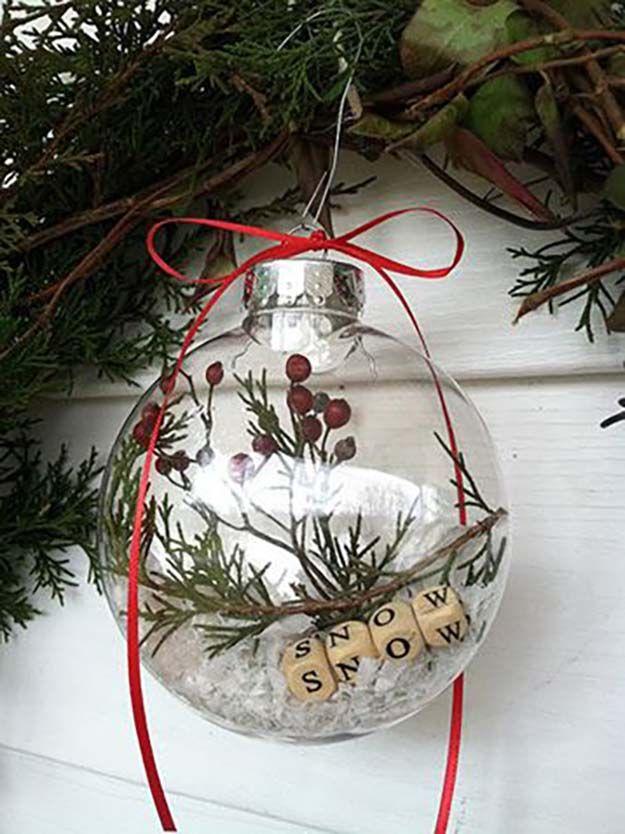 Naturaleza escena DIY Navidad Ornamento   27 espectacularmente DIY fácil ornamentos de navidad, ver más en http://artesaniasdebricolaje.ru/spectacularly-easy-diy-ornaments-for-your-christmas-tree