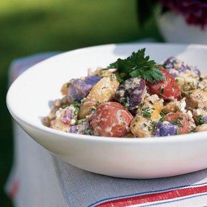 Blanco rojo y azul Ensalada de patata