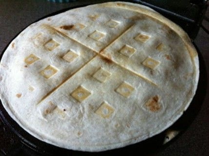 Quesadillas Fácil - 35 deliciosas comidas no lo hiciste't Know You Could Cook in Your Waffle Iron