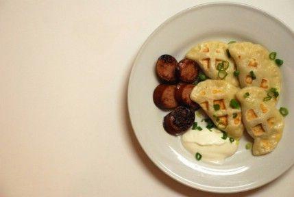 Pierogies - 35 deliciosas comidas no lo hiciste't Know You Could Cook in Your Waffle Iron