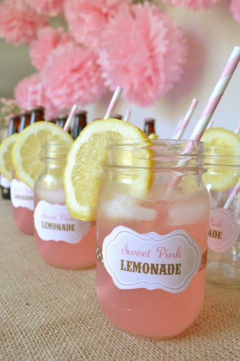Servir bricolaje Mason Jar Limonada y sorprender a tus amigos - 35 Summery bricolaje Proyectos y actividades para el mejor verano