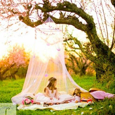 Carpa del patio trasero de bricolaje para las niñas - 35 Summery bricolaje Proyectos y actividades para el mejor verano