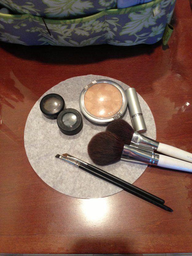 Usos de los Filtros de café | Hacks maquillaje DIY de DIY listo en http://artesaniasdebricolaje.ru/uses-for-coffee-filters-diy-projects-and-ideas