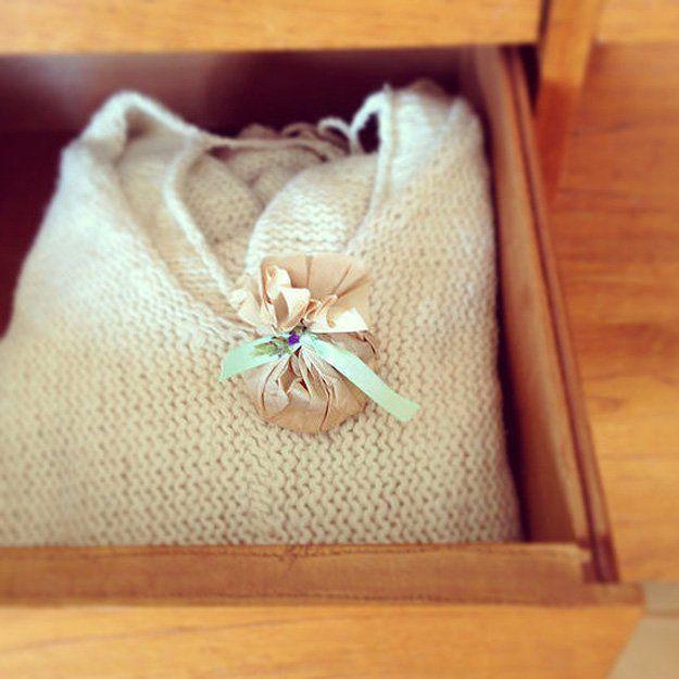 Filtro de café Usos | Ambientadores de bricolaje de bricolaje Listo en http://artesaniasdebricolaje.ru/uses-for-coffee-filters-diy-projects-and-ideas