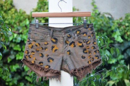 Pantalones cortos manchados de bricolaje