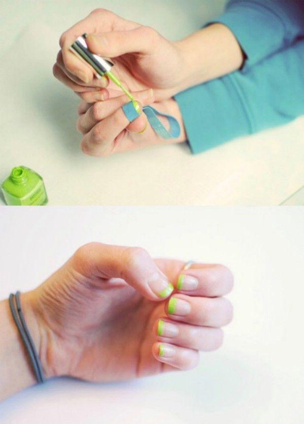 Utilice una banda de goma para fijar su manicura francesa - 40 de bricolaje belleza Hacks Que Son Genius Borderline