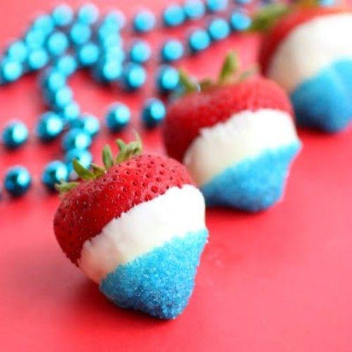 Blanco y azul rojos fresas bañadas