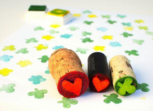 Oficios corcho del vino de bricolaje para niños | http://artesaniasdebricolaje.ru/more-wine-cork-crafts-ideas/