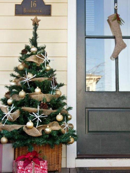 Decorar un árbol - 60 maravillosamente festivas maneras de decorar su porche para Navidad