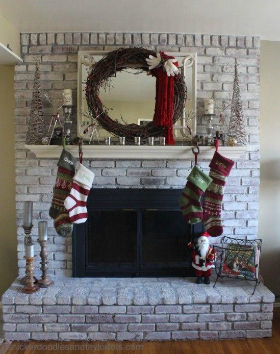 Hacer una corona manopla - 60 maravillosamente festivas maneras de decorar su porche para Navidad