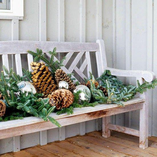 Viste a tu Banca - 60 maravillosamente festivas maneras de decorar su porche para Navidad