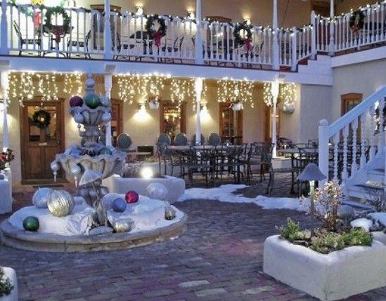 Crear una de las maravillas del invierno - 60 maravillosamente festivas maneras de decorar su porche para Navidad