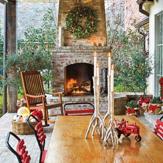 Decora la zona de la parrilla - 60 maravillosamente festivas maneras de decorar su porche para Navidad