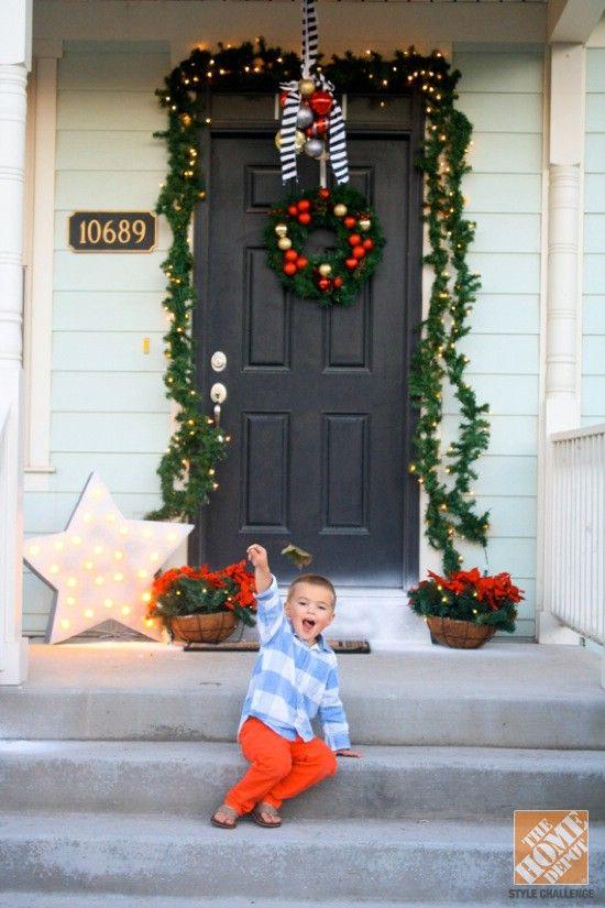 Haga su propia gota del Swag - 60 maravillosamente festivas maneras de decorar su porche para Navidad