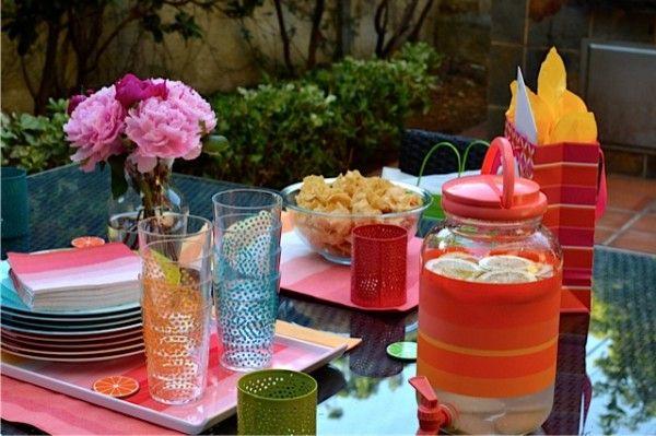 Colorida fiesta de cumpleaños de la sorpresa