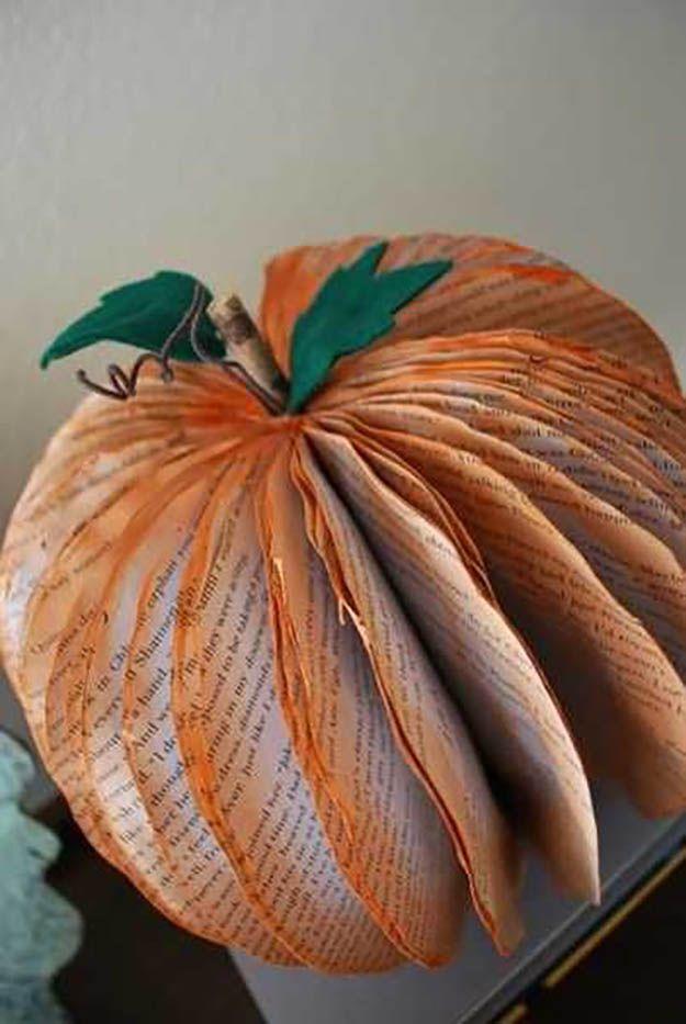 Papel Calabaza pieza central | 17 de bricolaje de Acción de Gracias Manualidades para adultos, ver más a http://artesaniasdebricolaje.ru/amazingly-falltastic-thanksgiving-crafts-for-adults