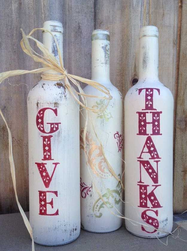 Otoño Decoración Botellas Pintadas Vino | 17 de bricolaje de Acción de Gracias Manualidades para adultos, ver más a http://artesaniasdebricolaje.ru/amazingly-falltastic-thanksgiving-crafts-for-adults