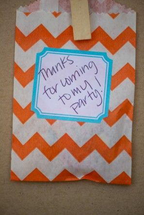 DIY-chevron-party-favor-bags