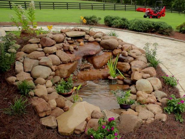 Fotografía - La construcción de un estanque de jardín y cascada