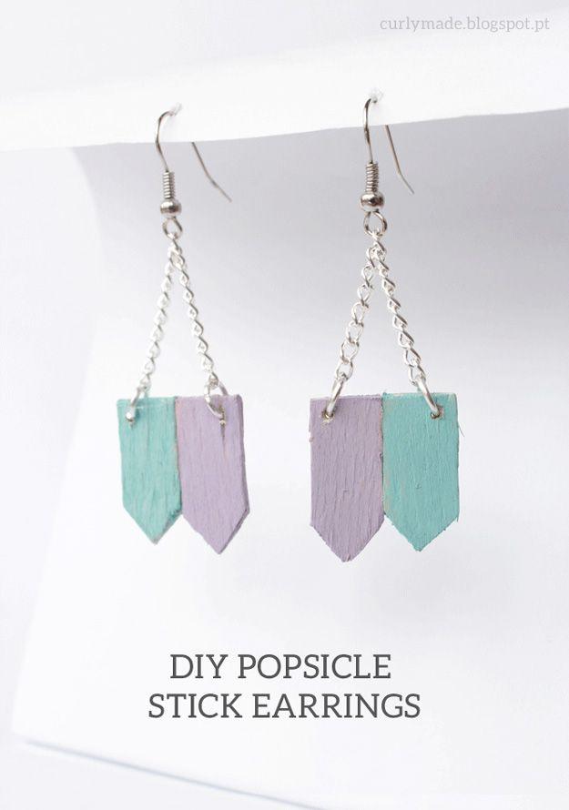 Barato y fácil de bricolaje pendientes a muchachas   http://artesaniasdebricolaje.ru/cheap-diy-jewelry-projects-for-girls/