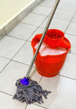Hecho en casa limpiador para pisos - Mop