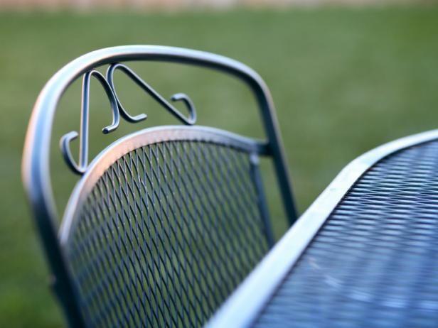 Fotografía - Limpieza de los muebles del patio
