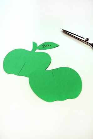 De Apple en forma de tarjetas del lugar de bricolaje